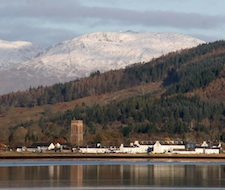 Beautiful Georgian Inveraray looking over Loch Fyne from Strachur with snow clad Beinn Bhreac behind. 40 minutes from the lodge